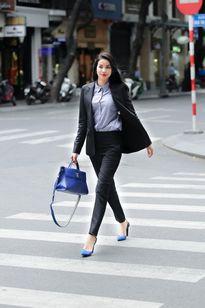 Phạm Hương hóa nàng công sở, Lan Khuê khoe chân thẳng tắp trong street style tuần này