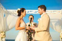 Siêu mẫu Hà Anh dùng máy bay trực thăng đến lễ thành hôn