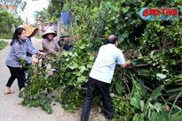 LĐLĐ Hà Tĩnh giúp nhân dân Hộ Độ xây dựng NTM