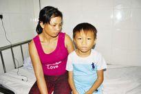 Thương tâm cháu bé nghèo 10 tuổi mắc u não hiếm gặp