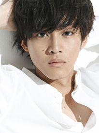 Phụ nữ Nhật Bản chọn ai giữa đại gia xấu trai và trai đẹp rỗng túi?