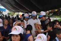 Việt Sin tặng 1500 phần quà cho người khuyết tật