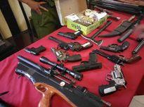 """Hà Nội: Bắt nhóm giết người tàng trữ kho vũ khí """"khủng"""""""