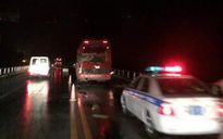 3 xe tông nhau trên cao tốc Nội Bài - Lào Cai, 2 người chết