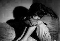 """Bé gái 15 tuổi chuyên rủ trai và nhà nghỉ """"tâm sự"""" vì sợ mẹ mắng"""