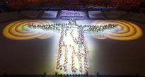 Quốc kỳ Việt Nam tung bay trong lễ bế mạc Olympic Rio 2016