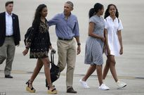 Hành động bất thường của TT Obama sau khi con gái hút cần sa