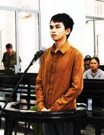 Vào tù vì 'yêu' người dưới 13 tuổi