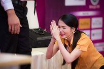 Hoa hậu Đặng Thu Thảo bật khóc khi trước phần thi tài năng của thí sinh HHVN