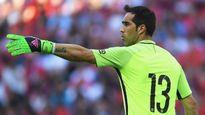 CẬP NHẬT tin sáng 23/8: Mustafi có thể không gia nhập Arsenal. Bravo đến Man City