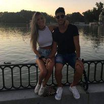 Ngắm bạn gái tài sắc của sao trẻ Real Madrid