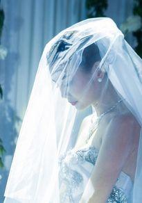 Vbiz 24/8: Kỳ Duyên hẹn hò tình mới, Thanh Hằng kết hôn?