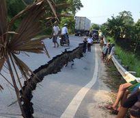 Kinh hoàng Quốc lộ 32C ở Yên Bái nứt toác, sụt lún hơn 30m