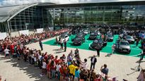 Dàn sao Bayern Munich lại nhận xe mới từ Audi