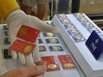 Vàng SJC cao hơn quốc tế cả triệu đồng