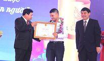 Tặng hơn 1 tỷ đồng cho 137 học sinh giỏi xứ Nghệ