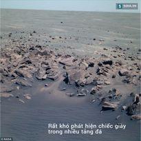 Nghi án người ngoài hành tinh bỏ quên... giày trên Sao Hỏa!