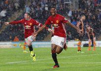 Có tin không Martial, Mourinho sắp 'đá' anh rồi đấy!
