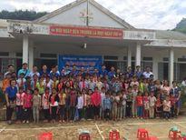 Trao quà cho học sinh tại Yên Bái, Lai Châu