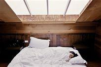 Ngủ đủ giấc giảm thiểu sự tiến triển của ung thư vú