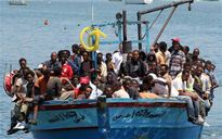 Italy cứu 13.000 người di cư trên biển trong 4 ngày qua