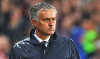 Đi vào lịch sử Man United sau 4 trận, Mourinho vui vì Aguero bị treo giò
