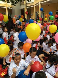 Lãnh đạo nhà nước dự khai giảng cùng các em học sinh
