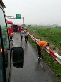 Tạm giữ hình sự đối với tài xế trong vụ lật xe khách trên cao tốc Pháp Vân - Cầu Giẽ