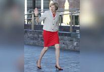 Thủ tướng Anh trước áp lực từ bỏ giày cao gót