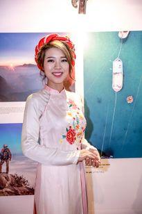 Người đẹp biển Đào Hà ngắm nhìn Việt Nam từ trên cao