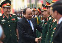 Thủ tướng Nguyễn Xuân Phúc thăm và nói chuyện với cán bộ, chiến sỹ Quân khu 3