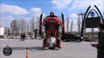 BMW 3-Series biến hình thành robot Transformers như thật