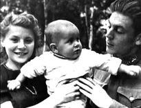 Cháu nội lãnh tụ Xô viết Stalin, đạo diễn sân khấu Aleksandr Burdonsky, nhớ lại quá khứ: Hạnh phúc và cay đắng
