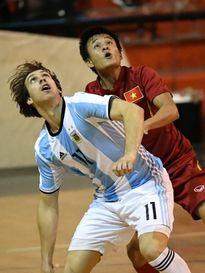 Từ cậu bé nhổ cỏ cà phê đến đấu trường Futsal World Cup