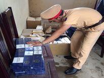Thanh Hóa: Bắt giữ gần 1.000 bao thuốc lá 555 không giấy tờ