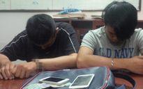 TP HCM: Truy bắt hai thanh niên cướp giật trên phố