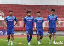 ĐT Việt Nam tập buổi đầu tiên: 4 cầu thủ chấn thương