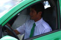 Trao tặng ôtô cho người hùng cứu xe khách trên đèo Bảo Lộc