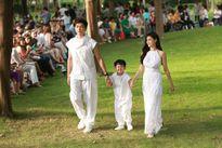 Gia đình Trương Quỳnh Anh 'náo loạn' ngày bế mạc Tuần lễ thời trang thiếu nhi