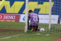 Hài hước: Tuấn Linh là thủ môn xuất sắc nhất V-League 2016