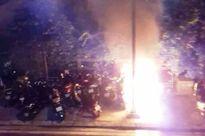 Xe đạp điện của thiếu nữ bỗng nhiên phát nổ giữa phố