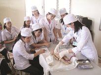 Lo lắng chất lượng nhân lực y tế