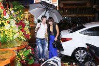 Mặc trời mưa to, Mai Ngô cùng dàn sao Việt vẫn tươi tắn xuất hiện tại sự kiện