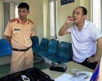 PV 'rởm' bị phạt 17 triệu đồng, tước bằng lái xe 5 tháng