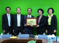 Đoàn đại biểu quốc hội VN thăm nhà máy sữa Angkor của Vinamilk tại Campuchia