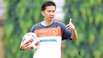 HLV Hoàng Anh Tuấn dẫn dắt hai đội tuyển
