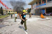 Hàm trăm người tham gia thi an toàn lao động, chữa cháy, cứu hộ, cứu nạn 
