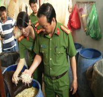 Cơ sở sản xuất giá đỗ dùng hóa chất ghi mác Trung Quốc