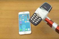 Dùng 'búa' Nokia 3310 thử độ bền iPhone 7