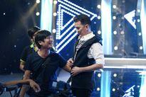 """Lam Trường nhảy cực sung """"xông đất"""" minishow của Âm Nhạc & Bước Nhảy"""